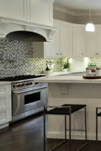 How to design a neutral backsplash for you kitchen