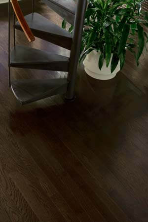 Hardwood flooring – Can you change the color of your hardwood floors?