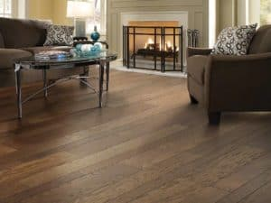 2017 hardwood trends - mulitwidth planks - Shaw Springhill in trolley