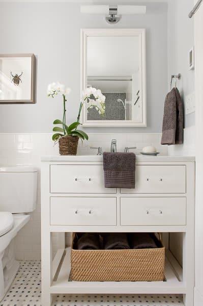 farmhouse styled bathroom for a modern shabby chic look