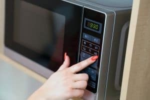 small affordable microwaves for countertops and dorm rooms