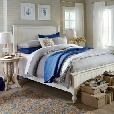bedrooms with shiplap - blue and white decor for modern farmhouse style