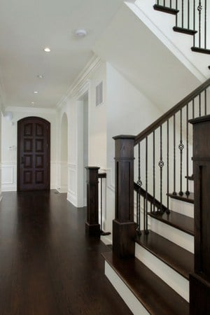 2019 hardwood flooring trends - dark hardwood flooring