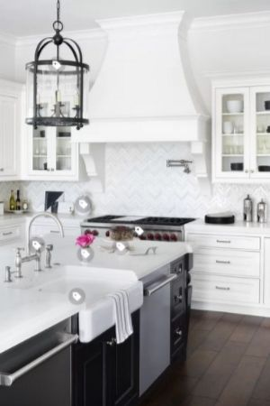 painting kitchen cabinets farmhouse style