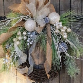 christmas wreath farmhouse style
