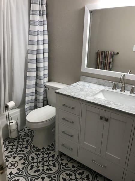 shabby chic farmhouse bathroom
