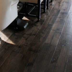 dark hardwood floors for a dramatic home | hickory hardwood flooring for a rustic style