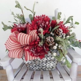 farmhouse style centerpiece for christmas holidays