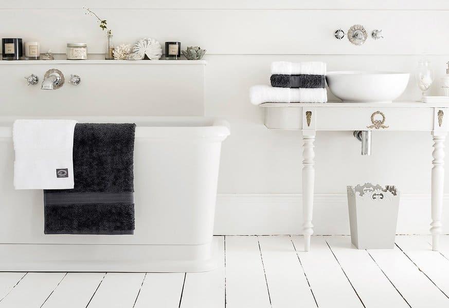 modern farmhouse bathroom in white