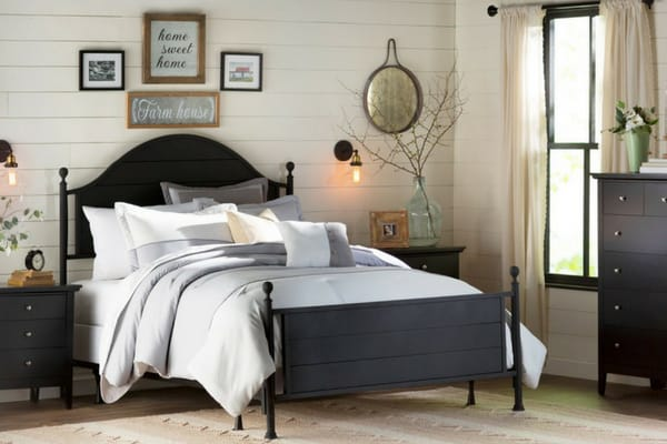 modern farmhouse style bedrooms with shiplap on walls