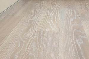 2020 hardwood floor trends - wire brushed flooring